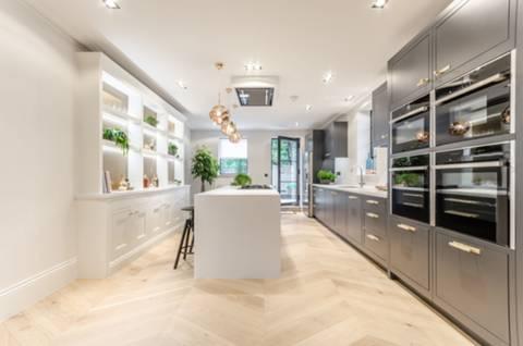 Kitchen in E14