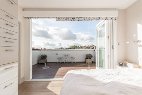 Master Bedroom in N1