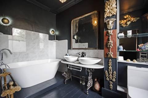 En Suite Bathroom in E8