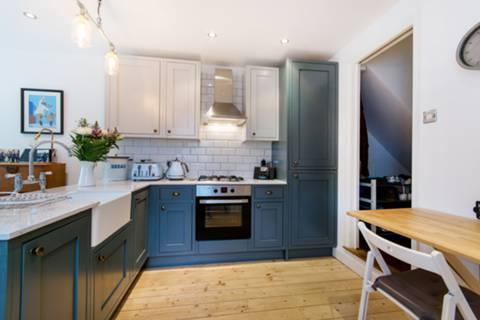Kitchen in CR0