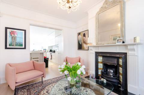 Reception Room in SW18