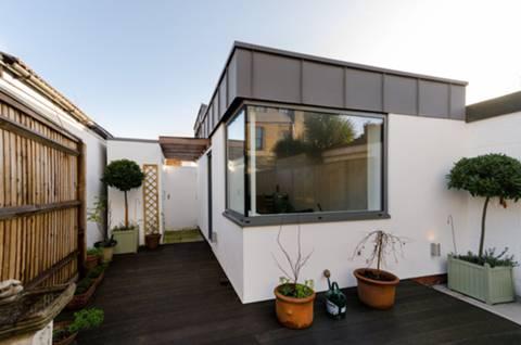 <b>Garden Room</b><span class='dims'></span>