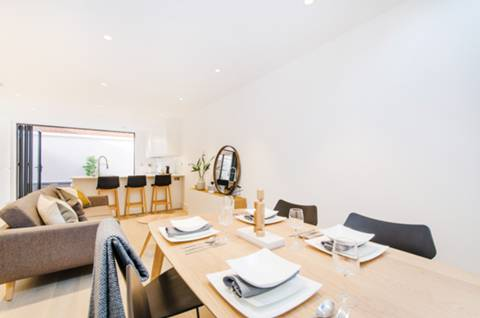 Reception Room/Dining Room in W3