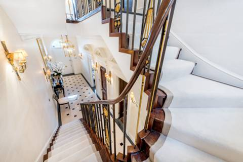 Entrance Hall in NW1