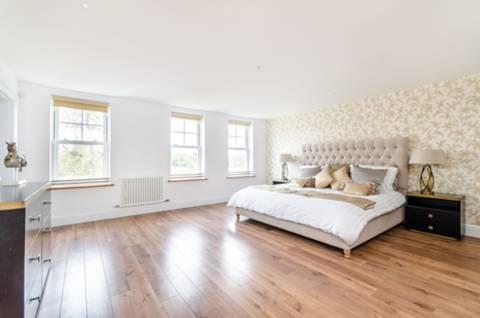 Master Bedroom in BR1