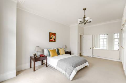 <b>Second Bedroom</b><span class='dims'></span>
