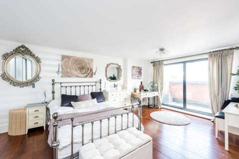 Master Bedroom in SW1P
