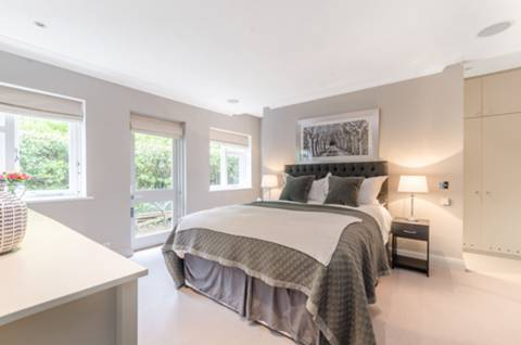Master Bedroom in W6