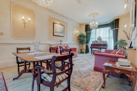 First Reception Room in E7