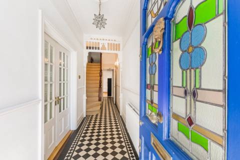 Entrance Hall in N8