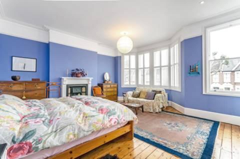 Master Bedroom in SE6