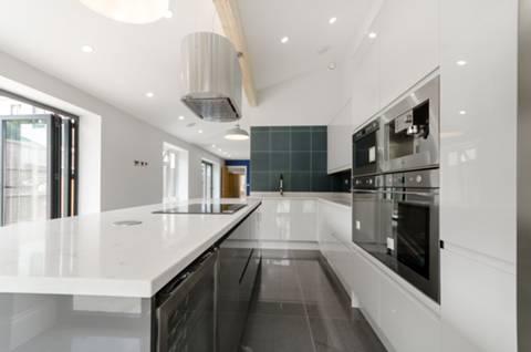 Kitchen in KT3