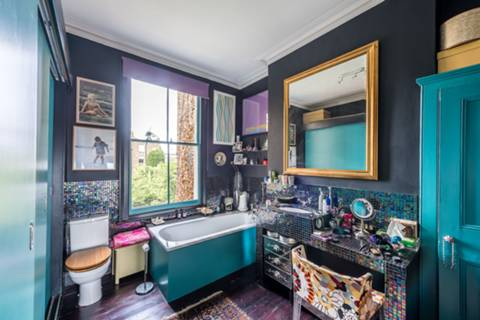 En Suite Bathroom in SW8