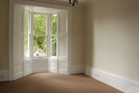 <b>First Reception Room</b><span class='dims'> 14&#39; x 13&#39; (4.27 x 3.96m)</span>
