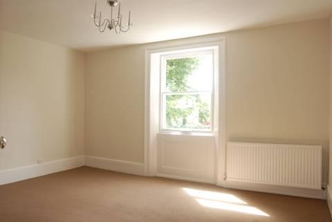 <b>Fourth Bedroom</b><span class='dims'> 13&#39; x 10&#39; (3.96 x 3.05m)</span>