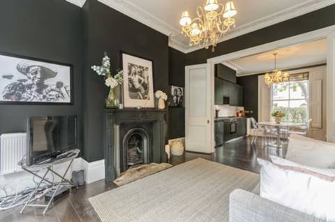 Reception Room in N1