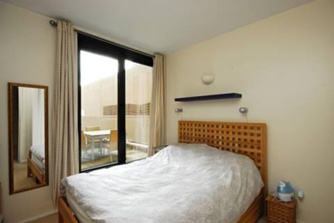 <b>Bedroom</b><span class='dims'> 11&#39;4 x 10&#39;1 (3.45 x 3.07m)</span>