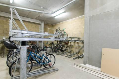 <b>Bike Store</b><span class='dims'></span>
