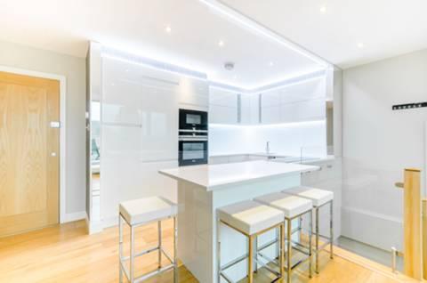 Open-Plan Kitchen in SE1