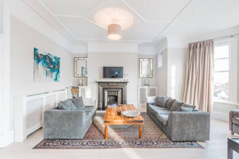Reception Room in N6