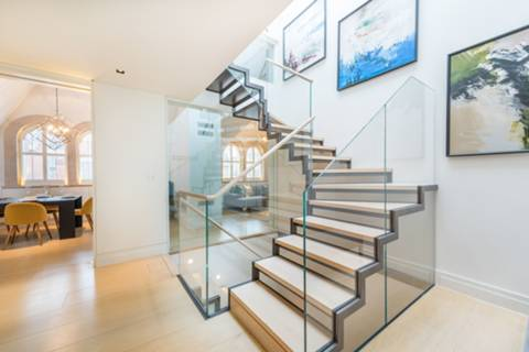 Entrance Hall in W1K