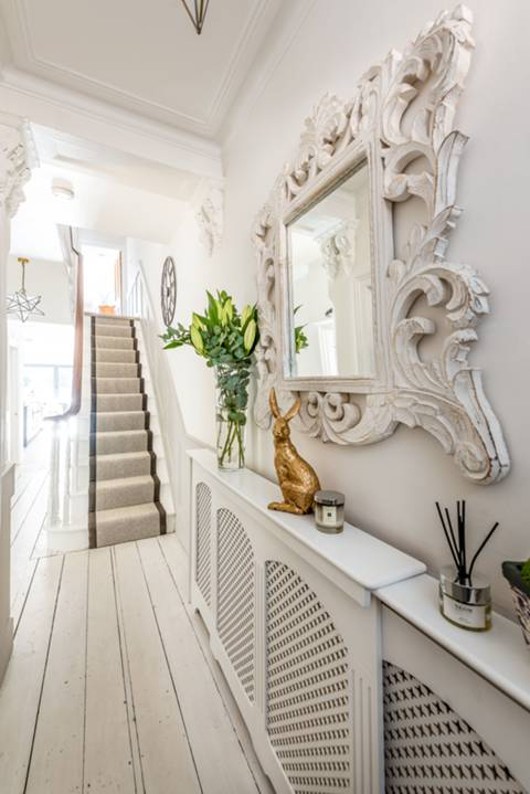 Entrance Hall in SW6