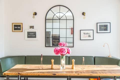Dining Room in N12