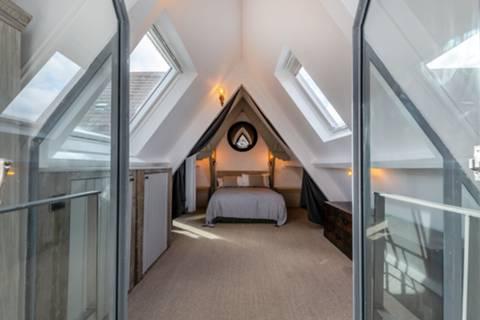 Bedroom in SW11