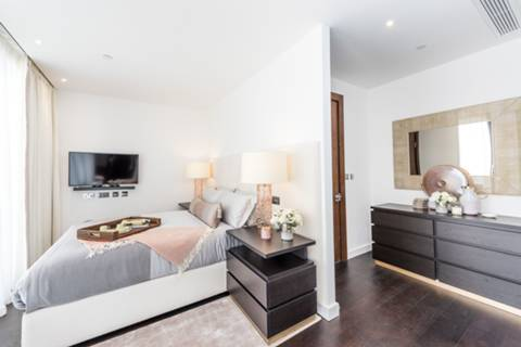Master Bedroom in SW8