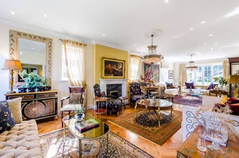 Double Reception Room in SW19