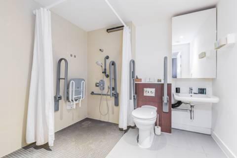 <b>Wet Room</b><span class='dims'></span>