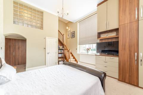 Master Bedroom in N11