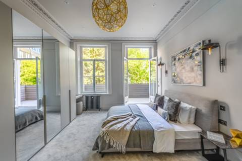 Master Bedroom in SW5