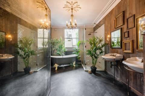 En Suite Bathroom in W11