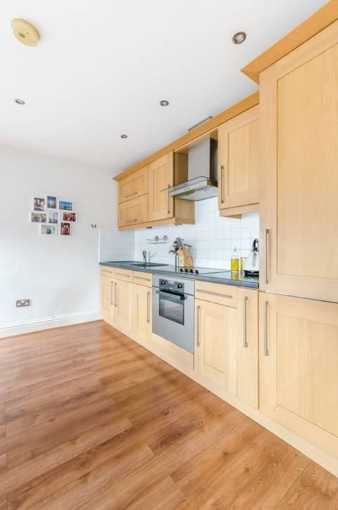 <b>Open-Plan Kitchen</b><span class='dims'></span>