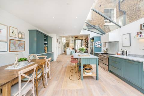 Kitchen/Dining Room in NW6