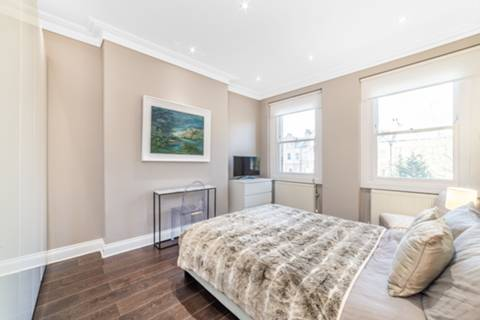 Bedroom in NW3