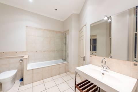 <b>Second Bathroom</b><span class='dims'></span>