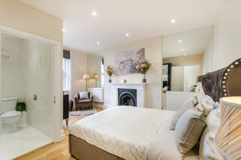 Master Bedroom in W9