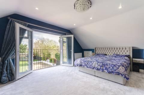 Master Bedroom in KT4