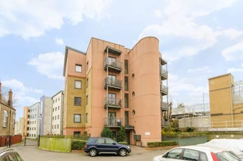 High Rd, London N15, UK - Source: Foxtons