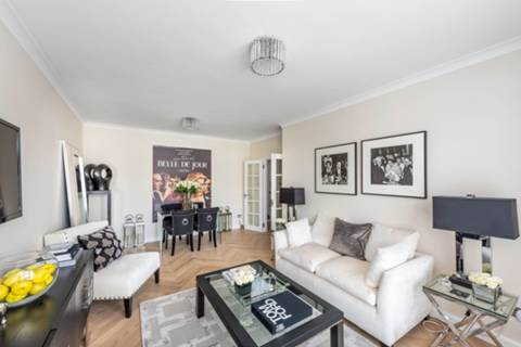 Reception Room/Dining Room in SW1W
