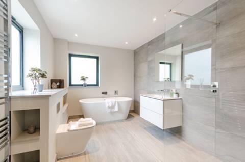 En Suite Bathroom in KT4