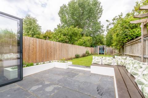 Garden in SW19