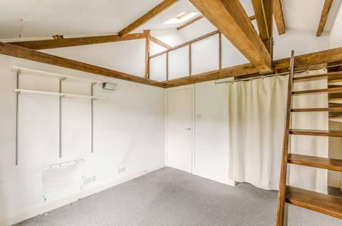 <b>Studio Room/Work Room</b><span class='dims'></span>