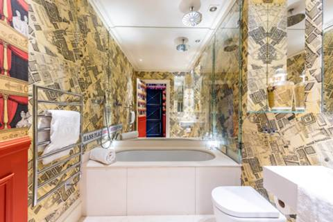 Bathroom in SW1X