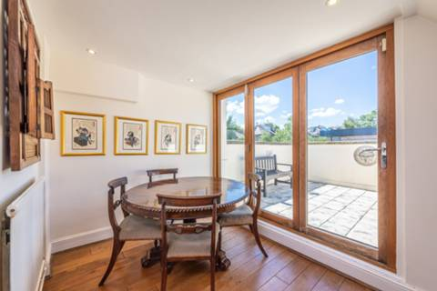 Dining Room in NW3