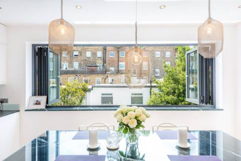 Kitchen/Dining Room in W2