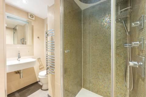 <b>Courtyard</b><span class='dims'></span>