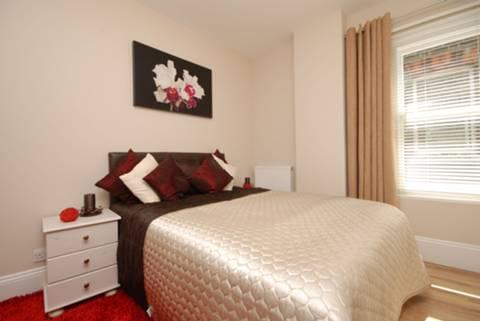 <b>Third Bedroom</b><span class='dims'> 13 x 8'6 (3.96 x 2.59m)</span>
